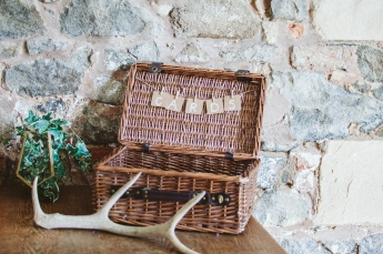 Pratis_barns_wedding_prop_hire