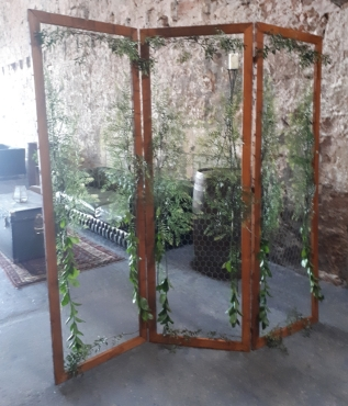 Large Divider Screen (foliage at additional charge) Hire Cost - £20