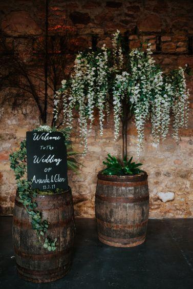 Scottish _barn_wedding_decor