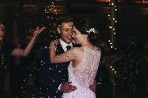 Guardswell_farm_scotland_barn_wedding