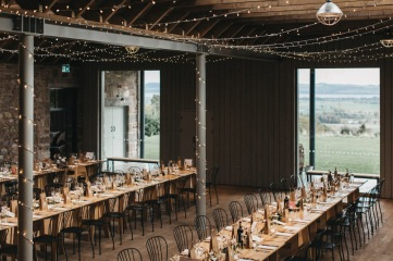 Scottish_barn_wedding_props
